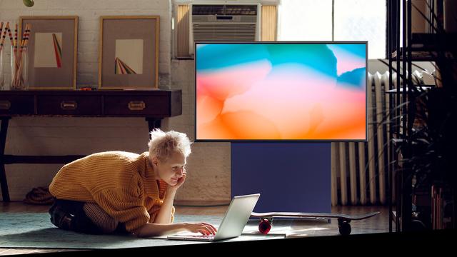 Conheça a TV da Samsung que gira para a vertical