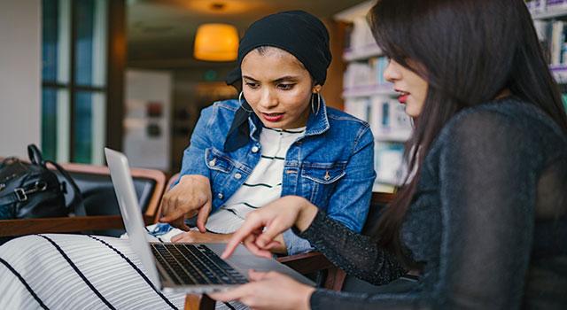 Projeto Diversa, da KingHost, vai capacitar mulheres em TI