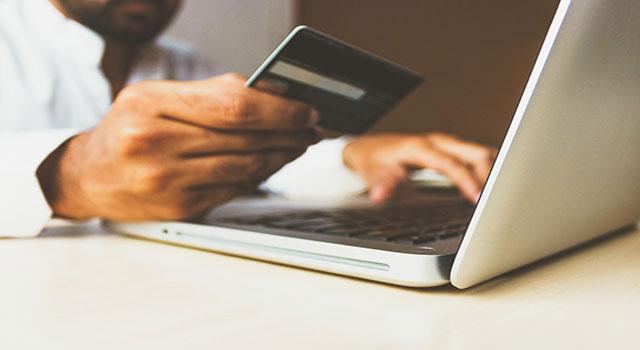 Read more about the article Mais da metade dos brasileiros compram em sites estrangeiros